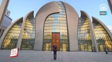 Köln'de ilk kez hoparlörden akşam ezanı okundu