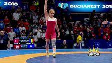 Milli güreşçi Buse Tosun Dünya Şampiyonu