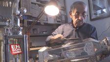 Atık teneke kutuları el fenerine dönüştürüyor