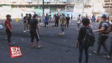Iraklı göstericiler Tahrir Meydanı'nda futbol oynadı