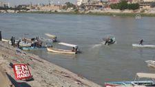 Bağdat'ta gösteriler nedeniyle köprülerin kapalı olması vatandaşları teknelere yöneltti