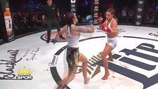 Julia Budd Talita Nogueira'yı 3.rauntta nakavt etti