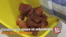 Çocuklar için meyve sebzelerden doğal boya yapıyorlar