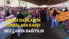 Adana'da plastik torbalara karşı bez çanta dağıtıldı