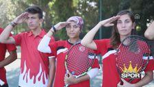 Milli sporcularımızdan asker selamı