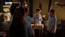 Tozkoparan 2. Bölüm - Çocuklar, Yabani'ye yemek hazırlıyor