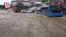 Çengelköy'de caddeler nehir oldu