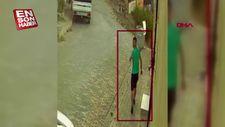 Mahallelilerden kaçan hırsız, karakola sığındı