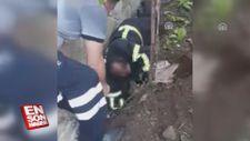 Su borusuna sıkışan köpek yavrularını itfaiye kurtardı