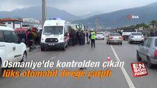 Osmaniye'de kontrolden çıkan lüks otomobil direğe çarptı