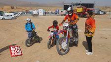 Babanın motosiklet tutkusu ailesini de sardı