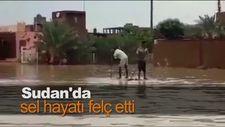 Sudan'da sel hayatı felç etti