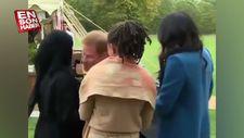 Prens Harry'nin Müslüman kadınla selamlaşması