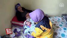 Yeni doğan kızına, yardıma gelen sağlıkçıların adını verdi