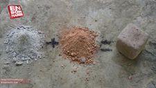 Doğadaki malzemeleri kullanarak külden çimento yapan adam
