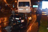 Malatya'da Minibüs otomobile çarptı: 2 yaralı