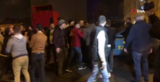 Taksicilerle turizm acentalarının şoförleri arasında tekme tokat kavga