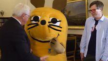 Almanya Cumhurbaşkanı'ndan fareye liyakat nişanı