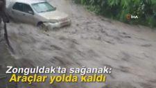 Zonguldak'ta sağanak: Araçlar yolda kaldı