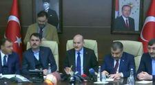 Elazığ''da bakanlar artçı sarsıntıya canlı yayında yakalandı