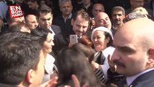 Bakan Albayrak'a İzmir'de sevgi seli