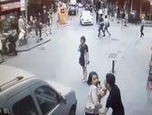 Beşiktaş'ta eşiyle tartışan şahıs bıçakla terör estirdi