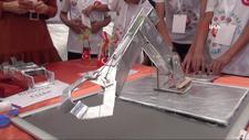 Engelli öğrenciler robot yaptı