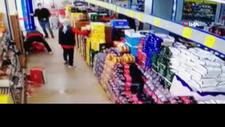 Marketi dağıtan müşteri, çalışana nohut fırlattı