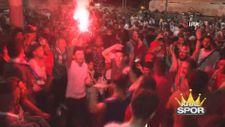 Liverpoollu taraftarların Taksim'de kupa coşkusu