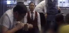 Çin'de uçaktaki doktordan kahramanca davranış