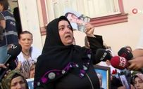 Çocukları dağa kaçırılan anne ve baba HDP önündeki eyleme katıldı