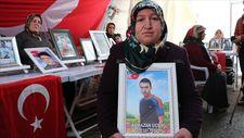Diyarbakır annesi Üçdağ: 600 yıl da geçse bu kapıdan gitmeyeceğim