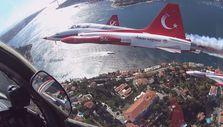 Türk Yıldızları'nın kokpitinden İstanbul Boğazı manzarası
