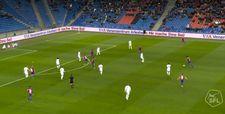 Eray Cömert 35 metreden harika bir gol attı