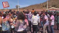 Senegal'de Holi Festivali