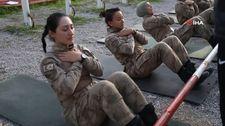 Foça'da kadın komando astsubaylarının zorlu eğitimi