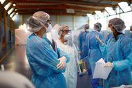 Fransa Çin'den 1 milyar adet maske alacak