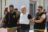 Adana'da cinnet getiren adam herkesi öldürmek istedi