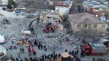 Gediz köyünde yıkılan bina havadan görüntülendi