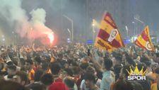 Taksim'de şampiyonluk kutlamaları