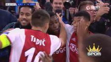 Dusan Tadic takım arkadaşını önce tokatladı sonra öptü