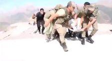 Hakkari'de kaza: 8 yaralı askeri helikopterle taşındı