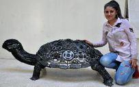 Hatay'da 800 hurda parçasından heykel yaptı