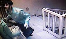 Hırsızların rahat tavırları ev sahibini uyandırdı