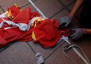 Hong Kong'da polis ve göstericilerin çatışması sürüyor