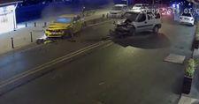 İstanbul'da alkollü sürücü süratle taksiye çarptı