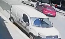 İstanbul'da çaldığı araçla polisten kaçan şahıs 2 kişiyi yaraladı