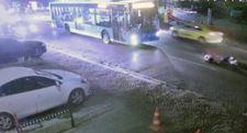 Kuruçeşme'de özel halk otobüsü turist çifte çarptı
