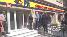 İstanbul'da postanede olay çıkaran adam kamerada