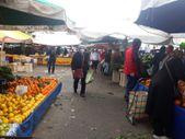 İzmir'deki pazarda kurallara uyan yok